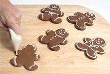Frostings for Cookies and Cakes / It's time for decorating and the first thing you need to do is select the best frosting recipe.
