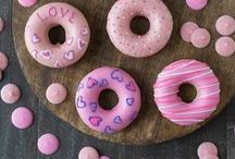Valentine's Day Ideas / Valentine's Day crafts, cards, ideas, recipes, for kids, tips, tricks, and insipration.