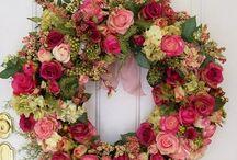 Wreaths / by Sara Lingerman