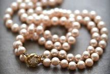 Pearls / The elegance and simplicity of pearls