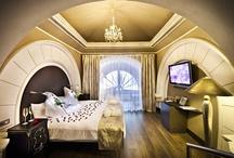 Hotel Rooms / Habitaciones de hotel que voy encontrando por ahí.