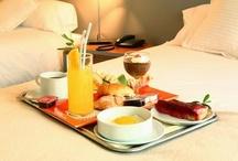 Breakfast in bed/Desayuno en la cama