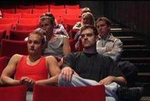 Theater + social media = Teatterisome / Theaters using social media - Miten teatterit voivat hyödyntää sosiaalista mediaa?