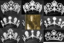 Tiaras - Adaptable  / Tiaras that can be worn in more than one form, usually by adding jewels of different types.