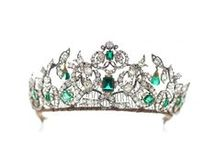 Tiara - Danish Emeralds / Christian XI gave emeralds to his wife in 1723 oon the birth of their first child, base of a collection added to later. 62 emeralds & 2014 diamonds. The parure was 'renovated' in 1840 and worn for the first time by Q Caroline Amalie. It can only be worn by the queen and mustn't be taken out of the country, Q Sofie Magdalene will of 1746) . Exhibited at Rosenborg Castle. The centerstone of the tiara is from a different mine than the others, hence the slight difference in colour.