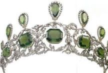 Tiara - ArchDss Isabella Peridots / First owned Archdss Henriette of Austria. Parure eventually  to hgrandson, A-duke Friedrich & his wife, Princess Isabella of of Croÿ. Isabella became the wearer most associated with the tiara. Friedrich died in 1936, many years after the Habsburgs had lost their imperial throne. The peridot jewels were auctioned off around the time of his death.
