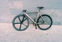 Bikes / Fixed Gear / Single Speed / A lot of bikes that I like. Some fixed gear, single speed, vintage or rare. / by Fernando Alcázar