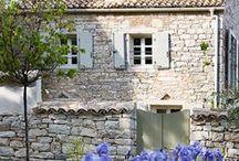 Cottages / by Marie Agneau