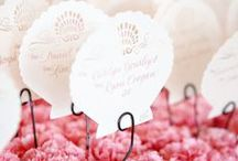 Wedding Place Card Ideas / Wedding place cards are a great way to add personality to your wedding reception decor. Whether you display them with succulents, gold brushed feathers or hanging on a board, these ideas will inspire you for your wedding.