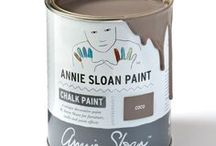 Coco / Inspiration using Chalk Paint® furniture paint by Annie Sloan in Coco. Coco is a soft brown grey in the Chalk Paint® palette. Inspired by the warm pigment, Burnt Umber, this is a classic colour that has long been used in decorative work. Use Coco on its own or as a neutral.