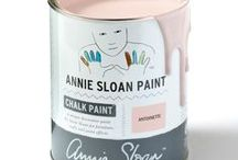 Antoinette / Inspiration using Chalk Paint® furniture paint by Annie Sloan in Antoinette. Antoinette is a soft pale pink in the Chalk Paint® palette by Annie Sloan. Inspired by the decorative pieces and interiors of 18th Century France, when the finest red earths were mixed with white and used to make a clear, but dusky colour for walls.