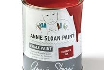 Emperor's Silk / Inspiration using Chalk Paint® furniture paint by Annie Sloan in Emperor's Silk.  Emperor's Silk is a bright, pure red in the Chalk Paint® palette, like the silk lining of a jacket. It is also the red of Chinese lacquer, especially when deepened with Black Chalk Paint® Wax. Use it in the interior of a cupboard or drawer for a pop of colour.