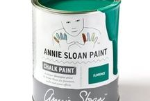 Florence / Inspiration using Chalk Paint® furniture paint by Annie Sloan in Florence.  Florence is a coppery green colour in the Chalk Paint® palette, a sophisticated grand colour found in neoclassical Italian and French interiors and on painted furniture. The colour originates from copper green minerals and malachite. It's also a great modern 20th Century colour.
