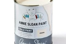 Original / Inspiration using Chalk Paint® furniture paint by Annie Sloan in Original. (Not available in America, Canada, NZ and Australia.)  Original is a warm slightly creamy soft white in the Chalk Paint® palette, the colour of old painted furniture. It is perfectly paired with Duck Egg Blue, Antoinette and Louis Blue for a delicate old distressed French look.