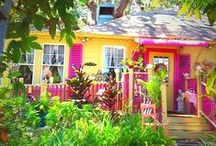 • CʘᏆᏆAᎶЄ ⌂|⌂ Colorful • / This is a bright and cheerful cottage. / by ༺·ღ·༻ ᘻαrʈᎥ Hαrʈ ༺·ღ·༻