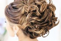 Updo Wedding Hairstyles / Updos are a classic style for any bride. And better yet, it's a style that a bride with any hair length can pull off. Check out these gorgeous updo wedding hairstyles as seen on MODwedding to find inspiration for your dream wedding hairstyle.