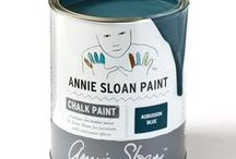 Aubusson Blue / Inspiration using Chalk Paint® furniture paint by Annie Sloan in Aubusson Blue.  Aubusson Blue is a classic blue in the Chalk Paint® palette. Named after the blue found in classic Aubusson rugs from France, this colour is inspired directly by the development of Prussian Blue in the late 18th Century. It's the perfect colour for a Swedish interior.