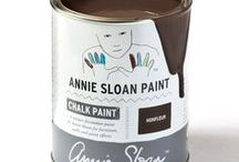 Honfleur / Inspiration using Chalk Paint® furniture paint by Annie Sloan in Honfleur.  Honfleur is a rich brown in the Chalk Paint® palette. Named after the harbour town in Normandy, Honfleur is a colour inspired by the rich warm browns found in the rustic French countryside as well as in Mid-century Modern design. This rich brown is just what you need to work with bright colours: it looks great next to bright colours and pastels.
