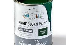 Amsterdam Green / Inspiration using Chalk Paint® furniture paint by Annie Sloan in Amsterdam Green. Amsterdam Green is a strong, deep green in the Chalk Paint® palette. This strong, deep green takes inspiration from the painted shutters and doors of Amsterdam. It works particularly well with whites and creams and botanical imagery and plants, as well as looking brilliant with earthy yellows and reds.