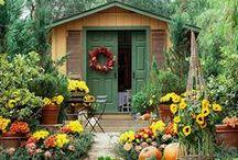 Kitchen Garden (Portager) / Organic gardening, growing herbs & vegetables, garden design, garden ideas.