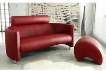 La Tendance Déco : Rouge passion / Version contemporaine ou clin d'oeil rétro, osez le rouge, passionnément ! Laissez-vous porter par l'histoire d'une rencontre entre la couleur et les belles matières, la force et l'élégance, le design et la qualité.