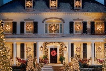 Holiday Wreaths & Entries / Welcome them before they even step foot inside the door with these gorgeous wreath and entryway ideas. / by Haute Holidays