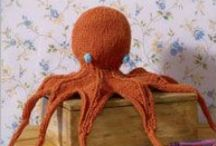 Knitting - Toys / Knitted toy ideas and patterns / by Amanda Haggerty