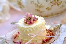 Cakes / by Shelli Brocious