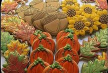 Thanksgiving crafts and foods / by Shelli Brocious