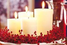 """La tavola di Natale / Il bello di riunirsi tutti insieme, intorno a una tavola preparata con cura amorevole e attenzione ai dettagli, per gioire delle feste natalizie davanti a una """"mise en place"""" gradevole."""