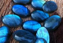 GEMSTONES: LABRADORITE / Check out our Labradorite jewellery collection!