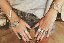 :: accessories ::