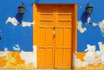 I See an Orange Door and I Want it Painted Blue / Style and design trends using orange and blue
