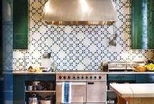 Kitchens / kitchens, colorful kitchens, vintage kitchens, eclectic kitchens, celebrity kitchens, kitchen makeovers, classic kitchen design, kitchen layouts, kitchen organization, kitchen inspiration, kitchen ideas