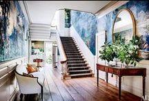 Foyer / Foyer, classic foyer style, colorful foyers, entrance ways, vestibule, eclectic foyers, moody foyers, foyers with wallpaper, painted foyers, black foyers, dark foyers, foyer inspiration