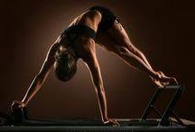 Pilates / TRX / Yoga / 3 coisas que aprendi a gostar: pilates + TRX + Yoga...esse é meu treino para ficar bem para o impacto da dança flamenca, impacto que já me lesionou muito.