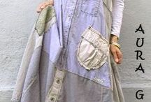 A upcycled dresses / Women's dresses made by modifying existing clothes into new fashions