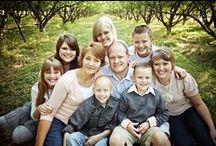 Family Portrait Inspiration / Portrait ideas, session themes, clothing inspiration