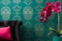 Inspired design / The most beautiful creations in soft furnishings, fabrics by the meter, cushions, wallpaper, carpets, furniture and home decoration. / Les plus belles créations dans des étoffes d'ameublement, les tissus au mètre, les coussins, les papiers peints, les tapis, le mobilier et la décoration intérieure.
