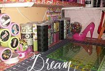 Sewing Room Spaces / #sewingroomspaces #craftrooms #sewingareas / by AnGeL JoHnTiNg BrOwN