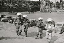 Bienvenue dans l'espace / by Marie D