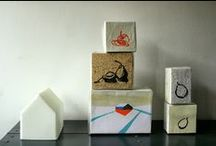 "Lotje prints | 1000poot / Linocuts & Woodcuts. Online portfolio of handmade prints, woodcuts and linocuts by Lotje Meijknecht, publishing as ""drukkerij de 1000poot"". [ blog at http://slootjesschilder.blogspot.nl and overview at http://www.lotjemeijknecht.nl ]"