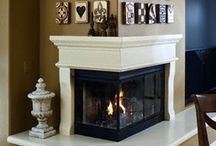 CoZy FIrEpLaCeS & maNtLes / Love a fireplace in a room!