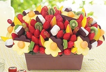 Edible Center Pieces / by Tamera Howell