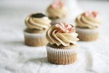 Cupcakes / by AMA Buffe