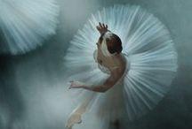 Dance / by Hanna Lynn