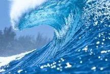 Ocean Wave Photography / Ocean photography that captures the beauty of the ocean waves.