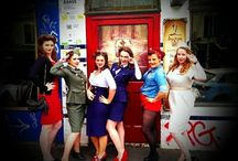 1950's pin up hens party and costumes / I had an amazing hens that was 1950's themed. Not the whole penis everything hens you see all this time, my girls organised cocktails, a burlesque class, dinner and dancing!