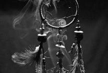 △ THE DREAMCATCHER △ / by Sarah Cuartas Jllo