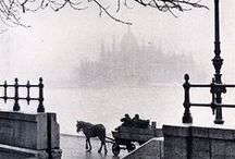 photo b&w hun / Hungarian photography in black & white from the last century  Works from photographers like: André Kertesz, Martin Munkacsi, Karoly Hemzo, Lucien Hervé (László Elkán), László Moholy-Nagy and so on...